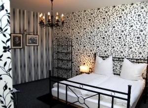 Zimmer Nerobianco